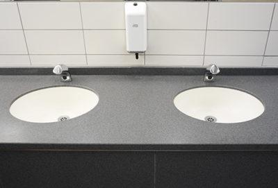 skärmväggsystem, urinalskärm, pissoarskärm